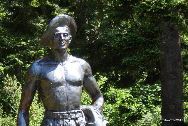 Sculpted CCC worker